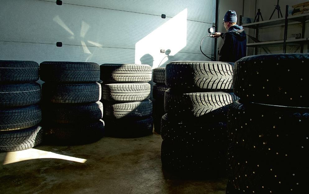 tire-storage-2016